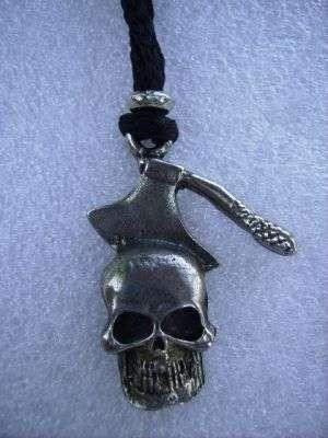 Teschio e accetta/Skull and hatchet